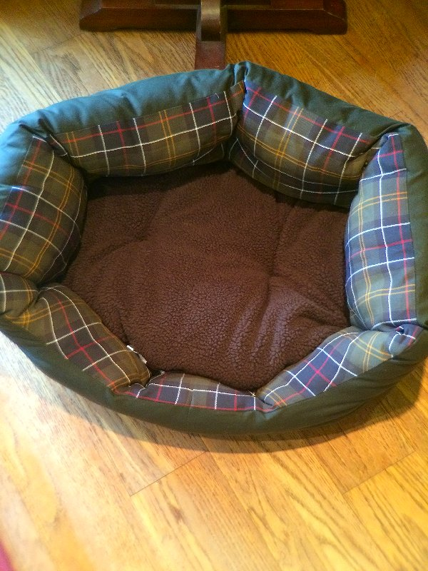 Barbour dog bed 2